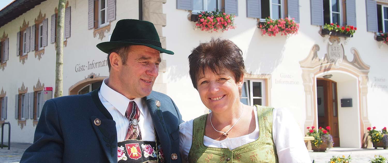 """Familie Heiß vom Bauernhof """"zum Baur"""" in Krün im Karwendel"""