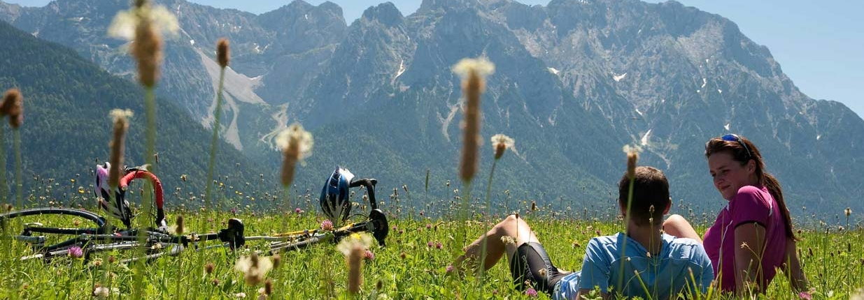 Alpenblick in das Karwendel auf Rad- Wander-Tour