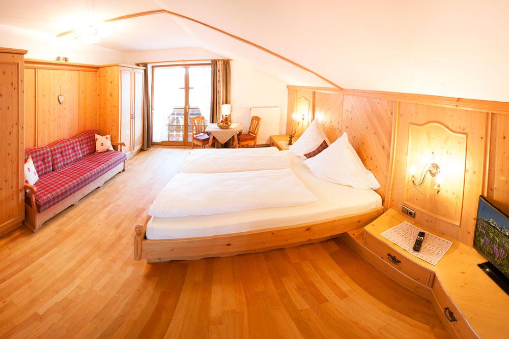 Wetterstein schlafzimmer ferienwohnungen zum baur in kr n - Baur schlafzimmer ...