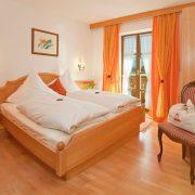 Ferienwohnung in Krün, Karwendel, Zugspitzblick 5 ***** Sterne, Schlafzimmer
