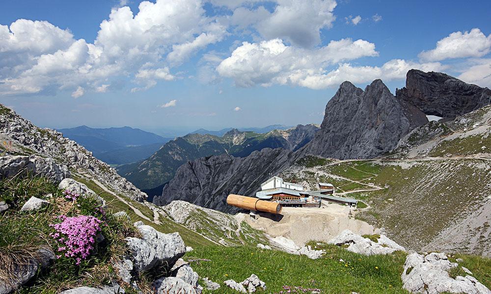 Gipfelblick in die Alpenwelt Karwendel